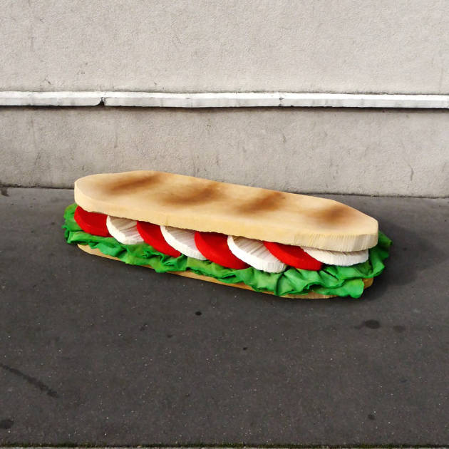 lork-food-giant-sculpture-matelas-encombrant-nouvel-art-urbain-street-2